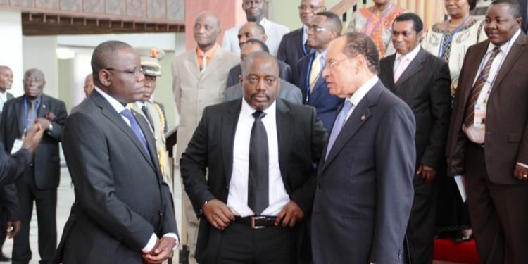 Aubin Minaku, Joseph Kabila, et Leon Kengo wa Dondo en novembre 2015, suite à une réunion ou Président Kabila a annoncé le démarrage du dialogue politique